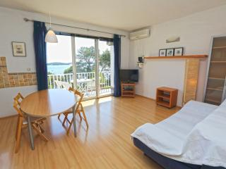 Apartment  Mira by the Sea 1, Hvar