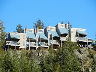 Whiski Jack Townhomes – Whistler, BC
