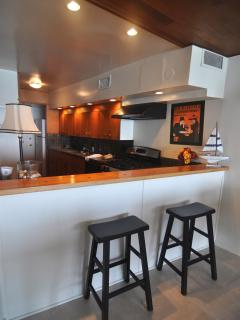 complete kitchen with everything you need , ask more if need more