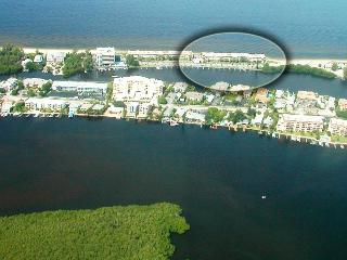 Beachfront - SIESTA KEY - 2B/2B - Pool -Boat Docks