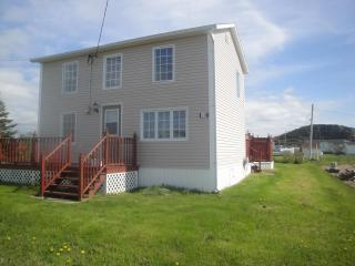 Pink House - A Family Vacation Home, Twillingate