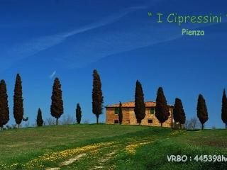 I CIPRESSINI : il  Casale Toscano  più fotografato, Pienza