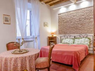 Elegant Apartment in the Historical Center of Rome Piazza Navona area - WiFi A/C