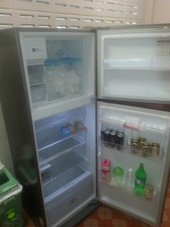 Large Fridge Freezer with auto ice maker and water dispenser. 6 beers and Pepsi Max included