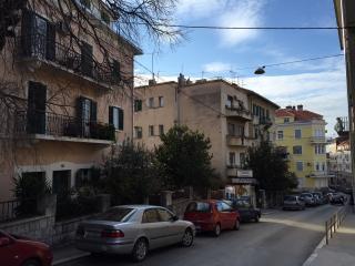 Nice attic apartment in the center of Split