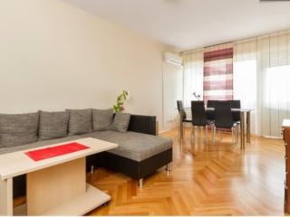 3 bedroom apartment in city center