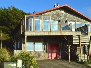 NEAHKAHNIE~Ocean front home with spectacular panoramic views!