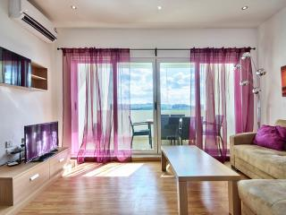 074 Sunny Sliema 2 bedroom apartment with views