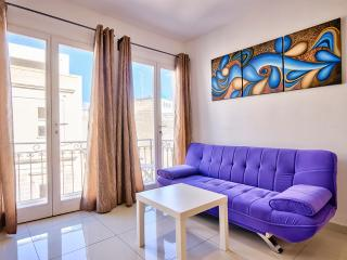 079 Sunny Sliema Central 2bedroom Apt