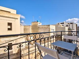 Sunlit, Relaxing Sliema Apartment