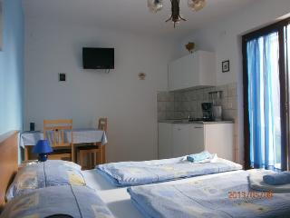 Studio Dijana ideal for Couples, Krk