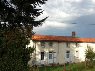 Le Chene Rond Chambre d'hote, Secondigny