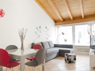 Woody - Two level Apt in the heart of the town, Bolzano