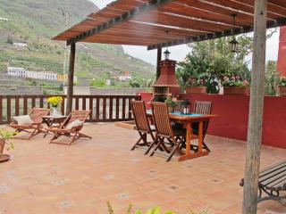 Casa con amplia terraza y barbacoa en La Gomera, Hermigua