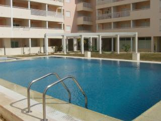 Apartment with pool in Armacao Pera Beach