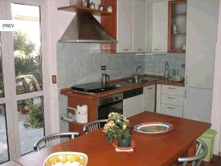 3-bedroom apartment 800m from sea, Viareggio