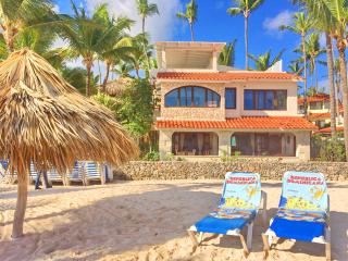 Beach House Merengue 3bdr + Maid + WiFi, Bavaro