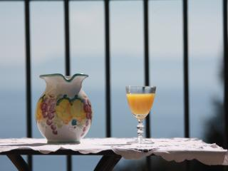 casetta-belvedere romantic and quiet with sea view, Neapel