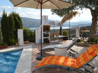 Iznajar cottage rental - Fantastic Lake Views