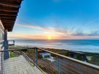 Oceanviews & private sauna in this extremely luxurious home!