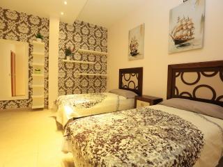 Beautiful 2 Bedroom Townhouse in Playa Fanabe, Tenerife