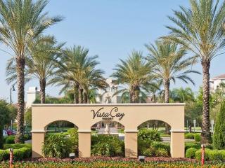 UNIQUE $99 3 bed condo in I-Drive area!, Orlando