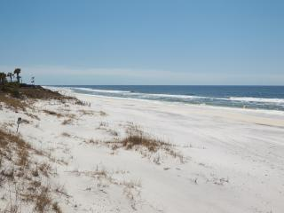 Mrs Robinson Gulf View rental 100 steps to beach.