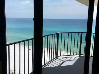 Just $99/night! Sunbird-11th Floor Romantic  Beachfront Condo/Hi Speed WiFi