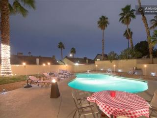 Casa de Rat Pack Pool 5 bed 3 bath Las Vegas Home