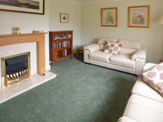 3 ST CUTHBERT'S GARTH, pet-friendly, seaside cottage, king-size bedrooms, enclos