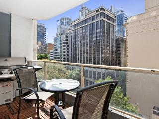 Executive 2 bed with balcony at Wynyard, Sydney