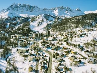 Studio w/ terrace, 500m from slopes, Vars