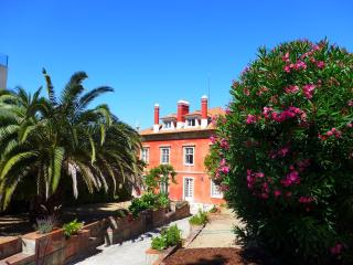 My Little Palace in Estoril, stunning Manor House, 2 minutes walk from Estoril Beach.
