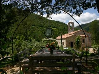 Chiesa Del Carmine, Luxury Umbrian Villa Sleeps 14
