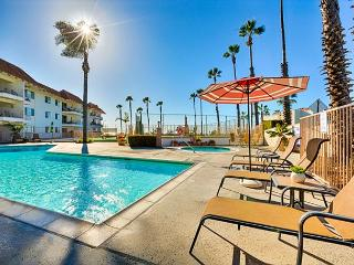 Large 1 Br Condo - Ocean View, Pool, Jacuzzi and Tennis Courts