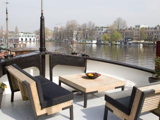 Amster River Design Houseboat