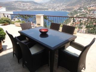 Luxury Villa Yar Private Pool, Jacuzzi & Huge Terraces. Sea Views. Sleeps 10