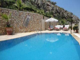 Luxury Villa Yar Private Pool, Jacuzzi & Huge Terraces. Sea Views. Sleeps 10, Kalkan