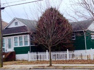 286 Windsor Ave #1 Middle Bedroom-Shared House 106972, Cape May