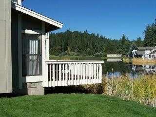 #28 ASPEN Pet Friendly Town Home!$170.00-$205.00 + PET FEE, BASED ON DATES AND