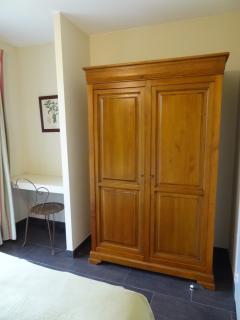 armoire chambre verte