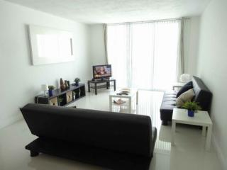 Great One Bedroom Condo with Ocean View, Hollywood