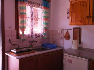 Ground floor 2/bedroom apartment w/balcony!, Sidari