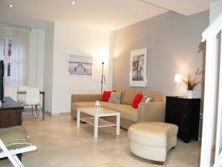 Duplex Apartment 7 pax, Sevilla Center