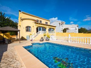 VILLA LISA: close to town and beach, pool & aircon, Calpe