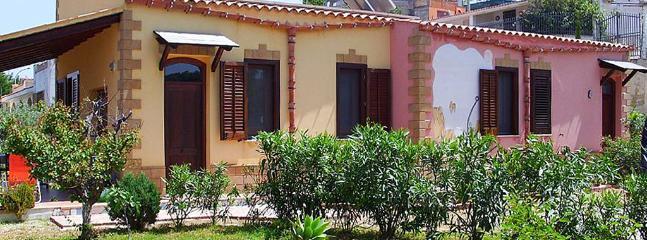 Beautiful villa with terrace & Wifi