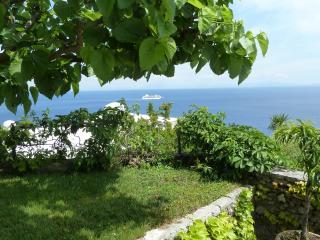 Villa giardino privato sul mare,ideale con banbini