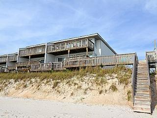 Queen's Grant C-110 - Oceanfront in Topsail Beach