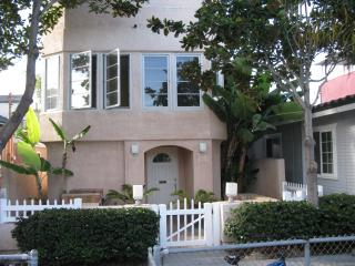 Private 3 BR Mission Beach House Steps to Sand, San Diego