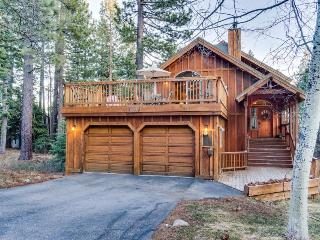 Private sauna, dog-friendly, near skiing and trails!, Tahoe City